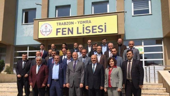 Yomra Milli Eğitim Müdürlüğü'nden Başkan Sağıroğlu'na Plaket