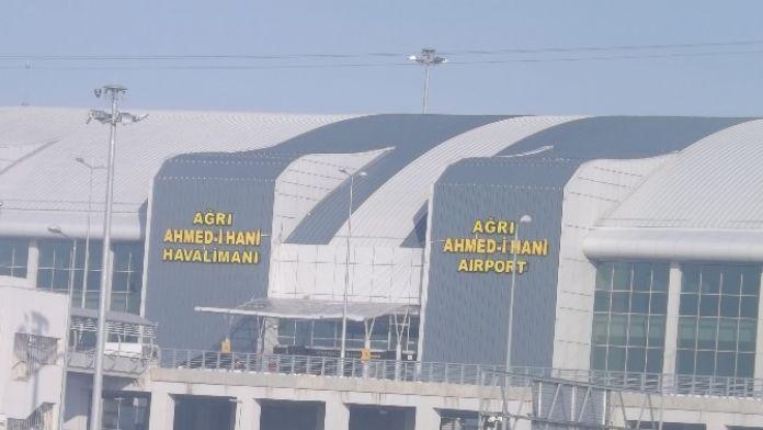 Ağrı Ahmed-i Hani Havalimanı 17 Bin 669 Yolcuya Hizmet Verdi