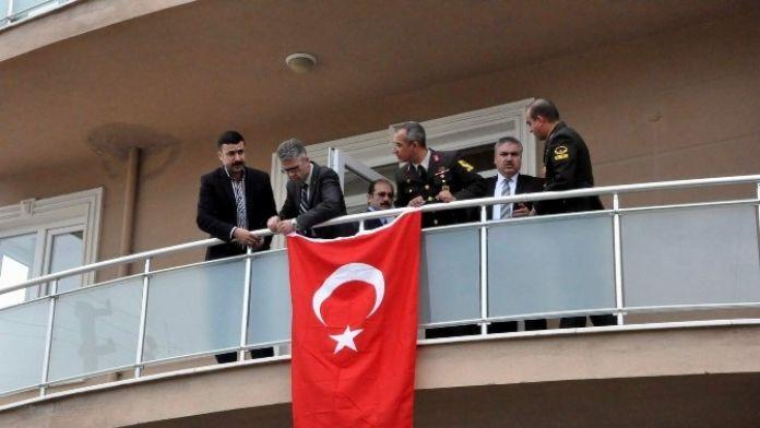 Şehit Pilot Üsteğmenin Acı Haberi Uşak'a Ulaştı