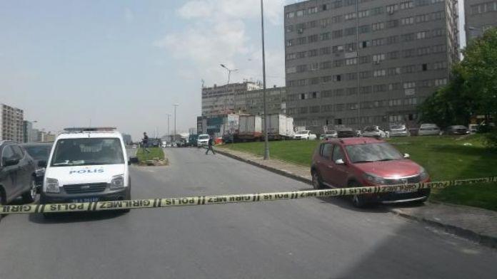 Bomba şüphesiyle aranan araç Zeytinburnu'nda bulundu
