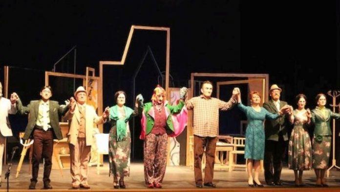Gardaş Azerbaycan Tiyatrosu Bartın'da