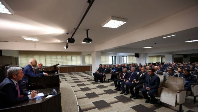 Yenimahalle Zabıtasına Başkan Yaşar'dan Nasihat