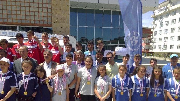 Namağlup Esendere Ortaokulu Türkiye Şampiyonluğu Yolunda