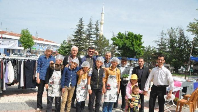 Bozan Öğrenci Yurdu İçin Alpu'da Kermes