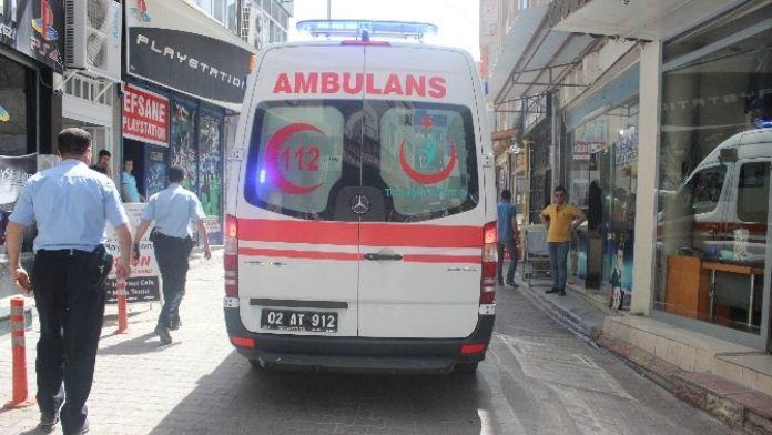 Alacak Verecek Kavgasında 1 Kişi Yaralandı
