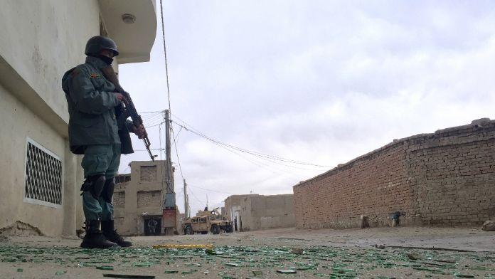 Polis eğitim merkezine bombalı saldırı: 2 ölü