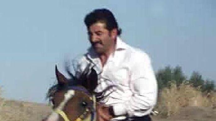 Çarpışan atının altında kalan ciritçi hayatını kaybetti