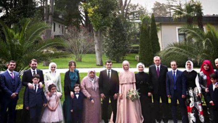 Nişanda çekilen aile fotoğrafı 14 Mayıs 2016 Cumartesi