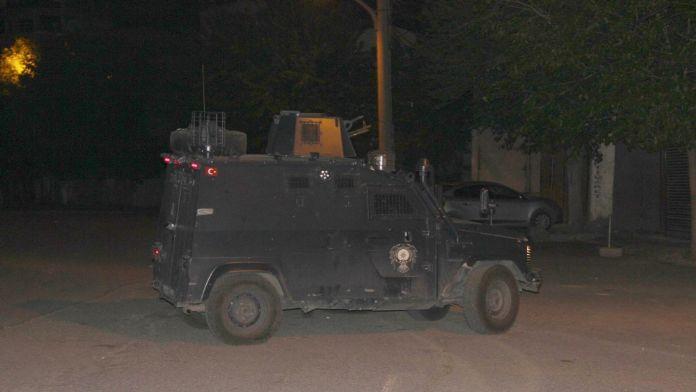 Diyarbakır'da çatışma: 1 polis yaralı 15 Mayıs 2016 Pazar