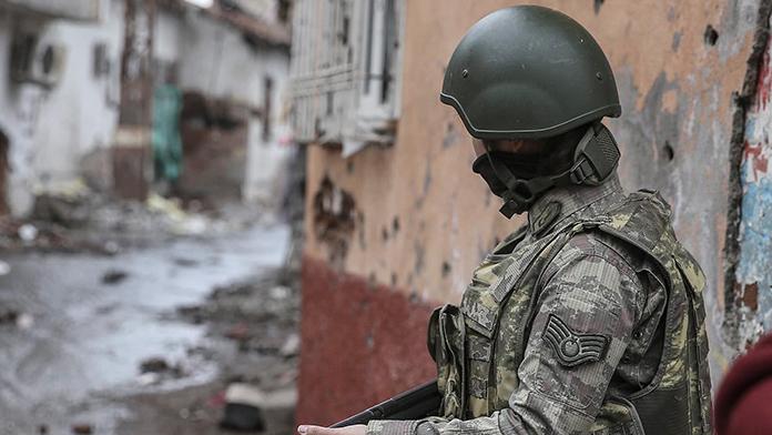 Diyarbakır'da polise silahlı saldırı 15 Mayıs 2016 Pazar