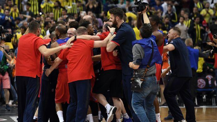 Basketbolda maçın ardından 16 Mayıs 2016 Pazartesi