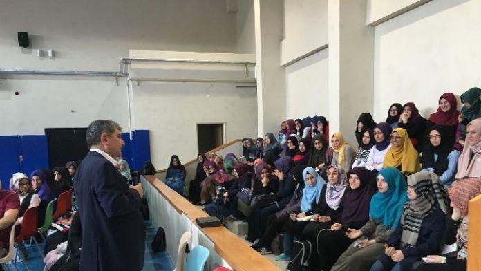 İmam Hatip Öğrencilerine İngilizce Konferans