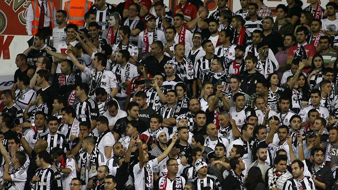 Beşiktaş Belediyesi'nden Taraftarlara Dev Platform 16 Mayıs 2016 Pazartesi