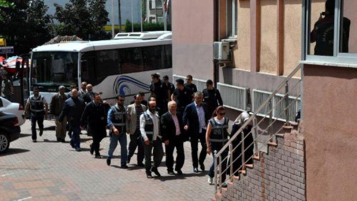 FETÖ/PDY operasyonunda 13 kişi tutuklandı