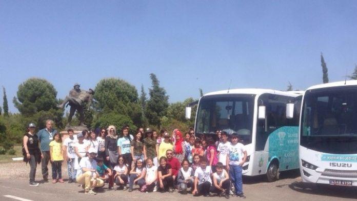 Dyned'in Başarılı Öğrencilerine Çanakkale Gezisi