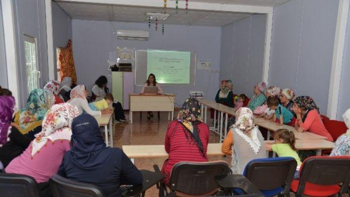 İstismara Karşı Kadın Ve Çocuklara Farkındalık Eğitimi Verildi