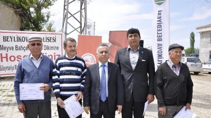 Beylikova'da Çiftçiler Kurs Bitirme Belgelerini Aldılar