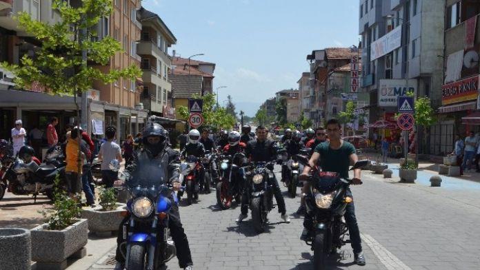Motosiklet Tutkunları Çaycuma'da Buluştu