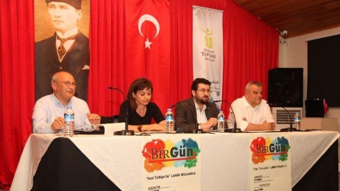 'Yeni Türkiye'de Laiklik Mücadelesi' Paneli