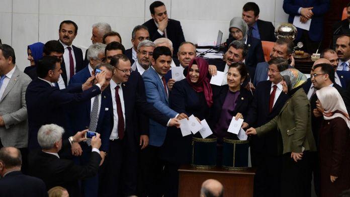 Fotoğrafı CHP'li vekil çekti