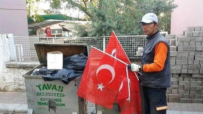 Çöp Konteynırına Türk Bayrakları Atılmasına İnceleme