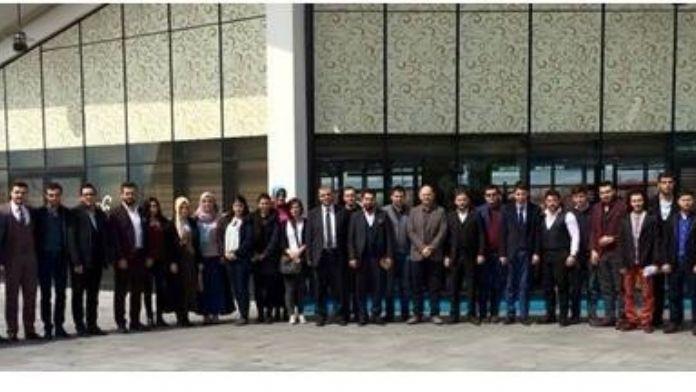 'Geleceği Türk Gençliği Aydınlatacak'