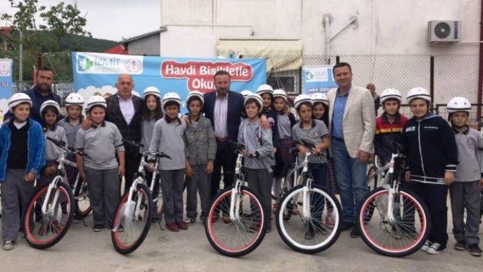 Bisiklet Dağıtımı Köy Okulunda Devam Etti