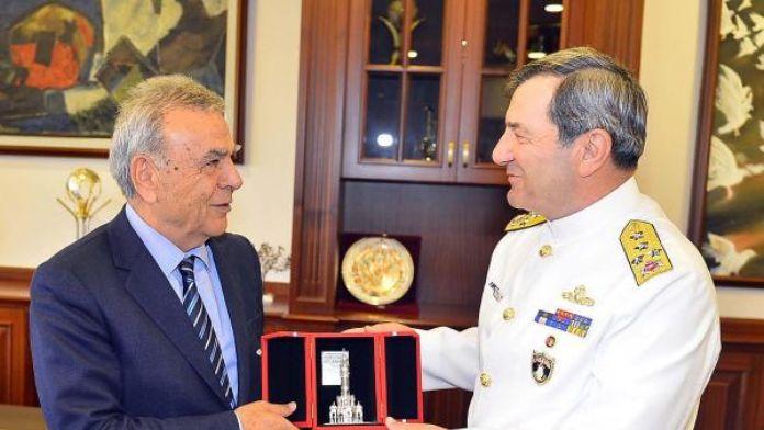 Askeri gemiler 'Beyaz Fırtına Tatbikatı' için İzmir'e geldi (2)
