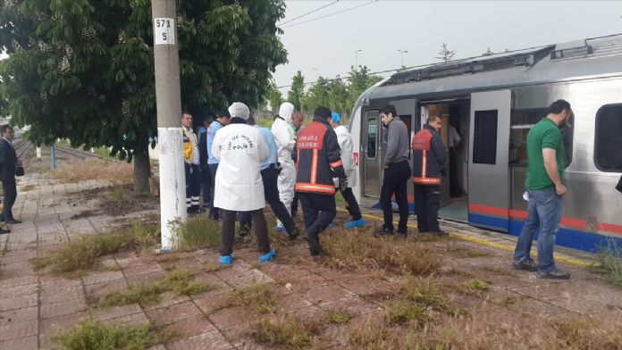 Başkentte trenin çarptığı kişi öldü