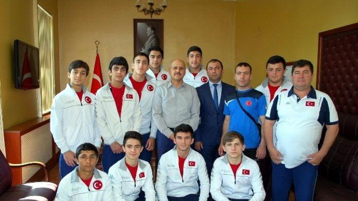 Milli Judocular, Kaymakam Peynircioğlu'nu Ziyaret Etti