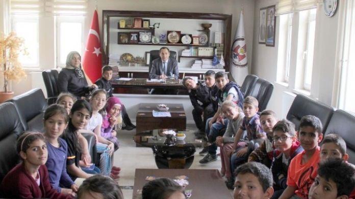 İlkokul Öğrencilerinden Belediyeye Ziyaret