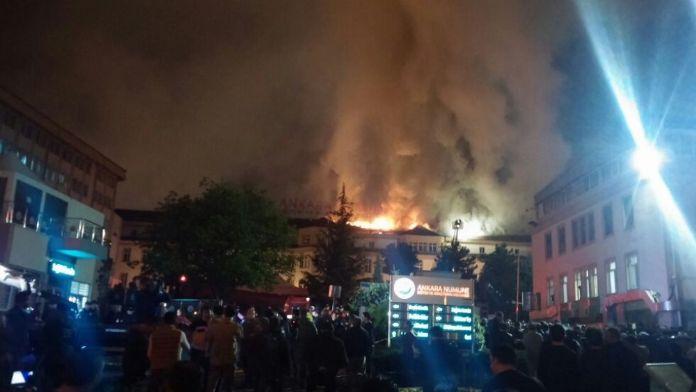 Ankara Numune Hastanesi'ndeki yangın söndürüldü