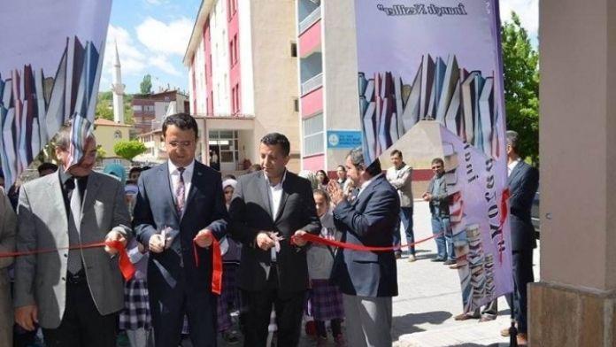 Gürün İmam Hatip Ortaokulu'nda Bilim Fuarı Açıldı
