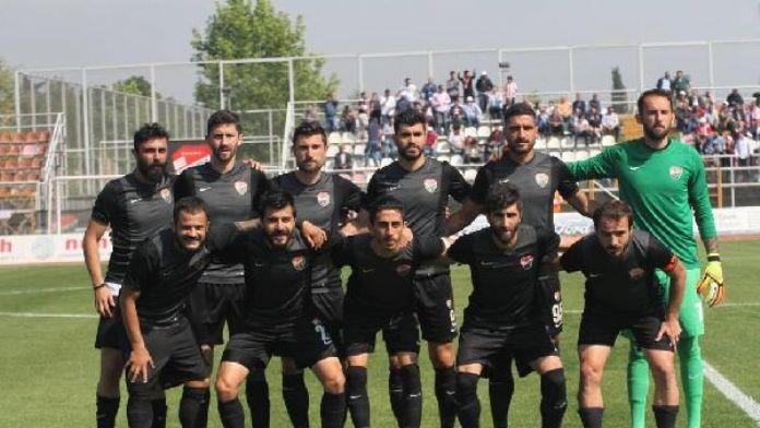 Kocaeli Birliksporlu futbolculara 50'şer bin lira ceza
