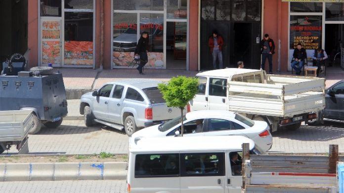 Hakkari'de FETÖ operasyonu: 13 gözaltı
