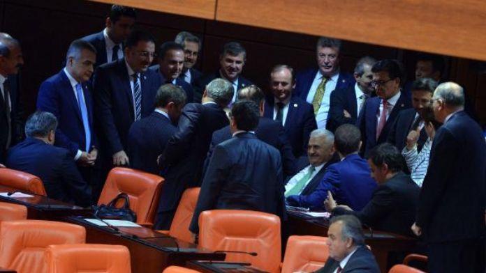 Dokunulmazlıkların kaldırılması için Meclis'te 2'nci tur oylama (4)