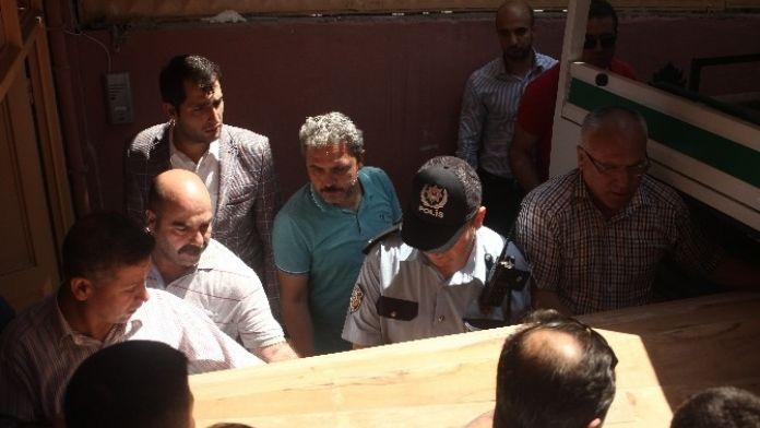 Şehit Polisin Cenazesi Adli Tıp Kurumu Morgu'na Kaldırıldı