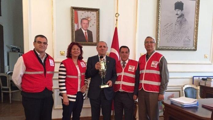 Kızılay Çorlu Şubesi'nden Vali Salihoğlu'na Ziyaret