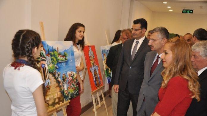 Kırkağaç Resim Sergisi Vali Bektaş'la Açıldı