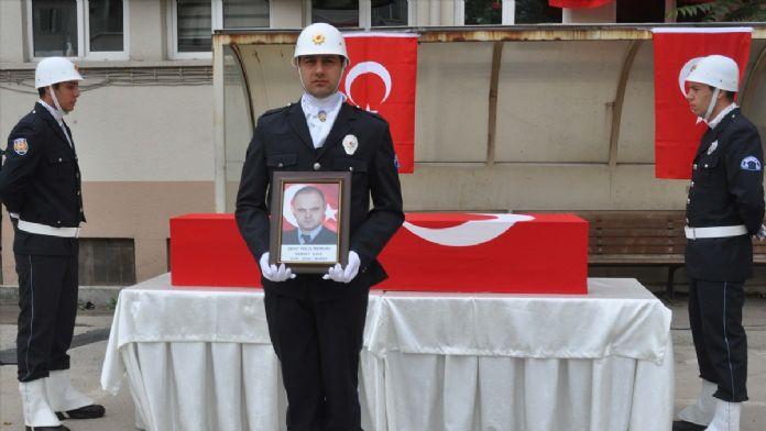 Ölüm Şehit Polisi Trafikte Buldu