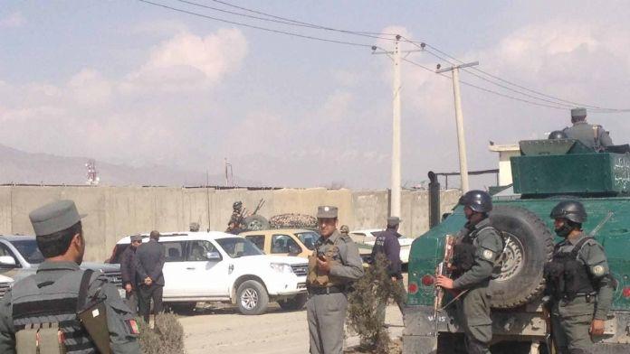 Katil olan 3 polis Taliban'a katıldı
