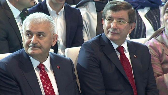 Davutoğlu ve Yıldırım'a Partili Karşılama