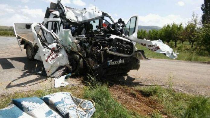 Konya'da Kamyonet kazası: 1 ölü, 3 yaralı