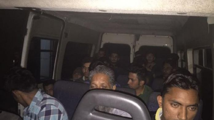 Edirne'de 20 Pakistanlı kaçak yakalandı, organizatör tutuklandı