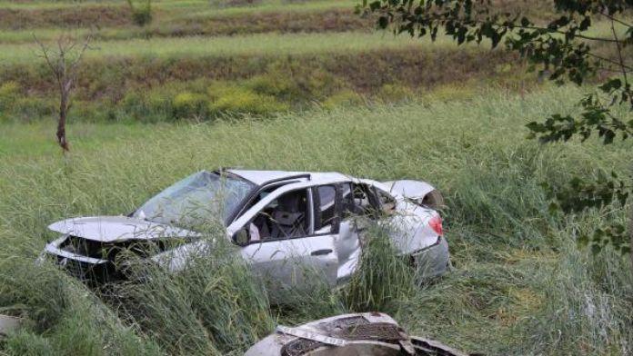Tosya'da otomobil takla attı: 2 yaralı