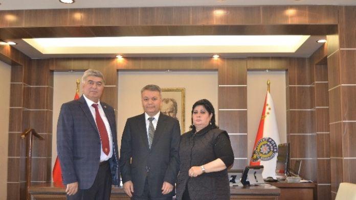 Kırgız Gazetecilerden Emniyet Müdürü Şahin'e Ziyaret