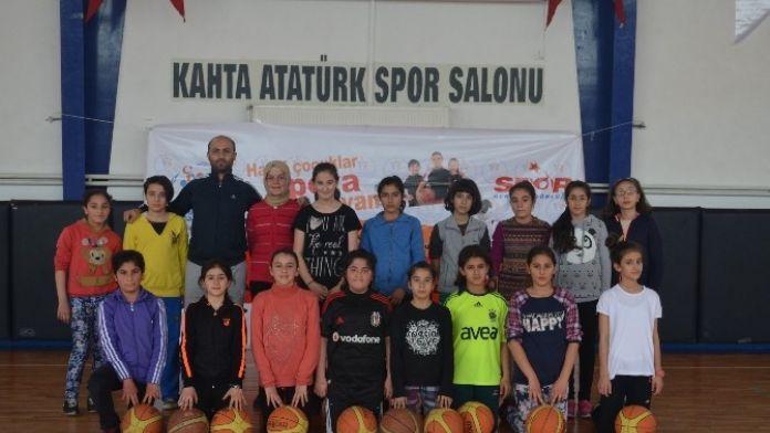 Kahta'da, 'Yaz Spor Okulu' Açıldı