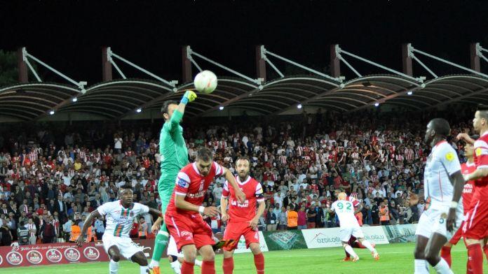 İlk finalist Antalya ekibi oldu