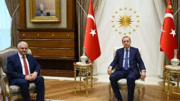 Cumhurbaşkanı Erdoğan, 65. Hükümet'i kurmakla görevlendirdiği Binali Yıldırım'ı kabul etti