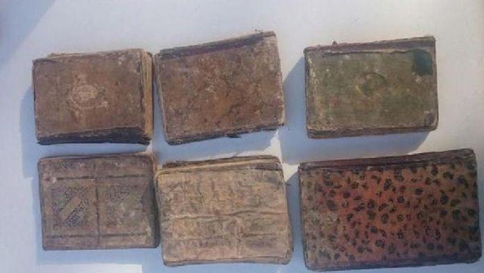 Denizli'de el yazması 6 tarihi kitap ele geçirildi
